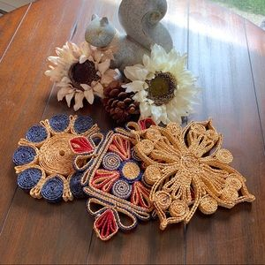 3 Vintage Woven Straw Hot Pads Set